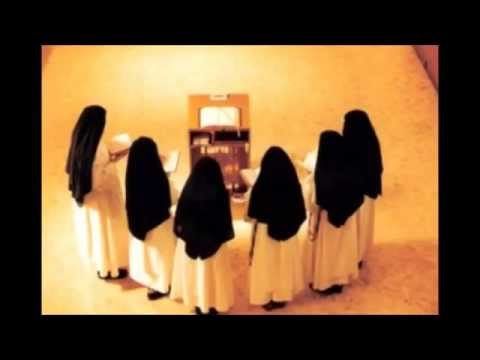 Dominican Nuns chanting
