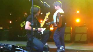 Keith Urban Live in Australia 2011 with 5 Yr Old Nathan singing Days Go By! HD