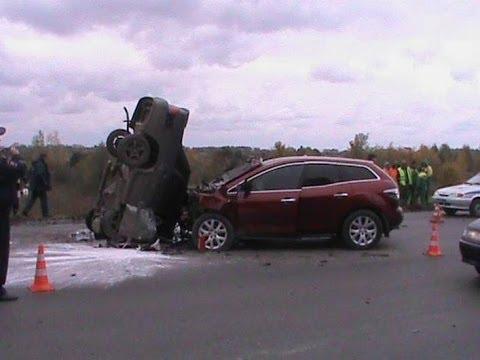 8 окт 2017. Водитель, следовавший сзади на volkswagen caddy, не смог вовремя затормозить и совершил столкновение с отечественным автомобилем. Как сообщили 74. Ru в пресс-службе гу мвд региона, авария случилась в 14 часов. Травмы получила 47-летняя женщина, управлявшая ваз-2115,