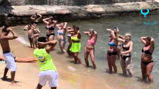 فتيات أوربا يشعلن شواطئ الغردقة بالرقص في الماء