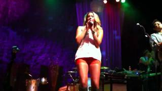 Colbie Caillat - Brighter Than The Sun - Live at House of B