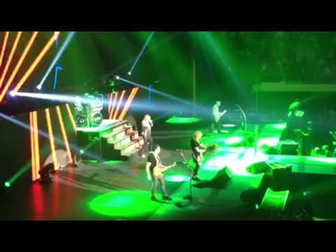 Def Leppard - Pour Some Sugar on Me 10-10-16 Cedar Rapids, IA