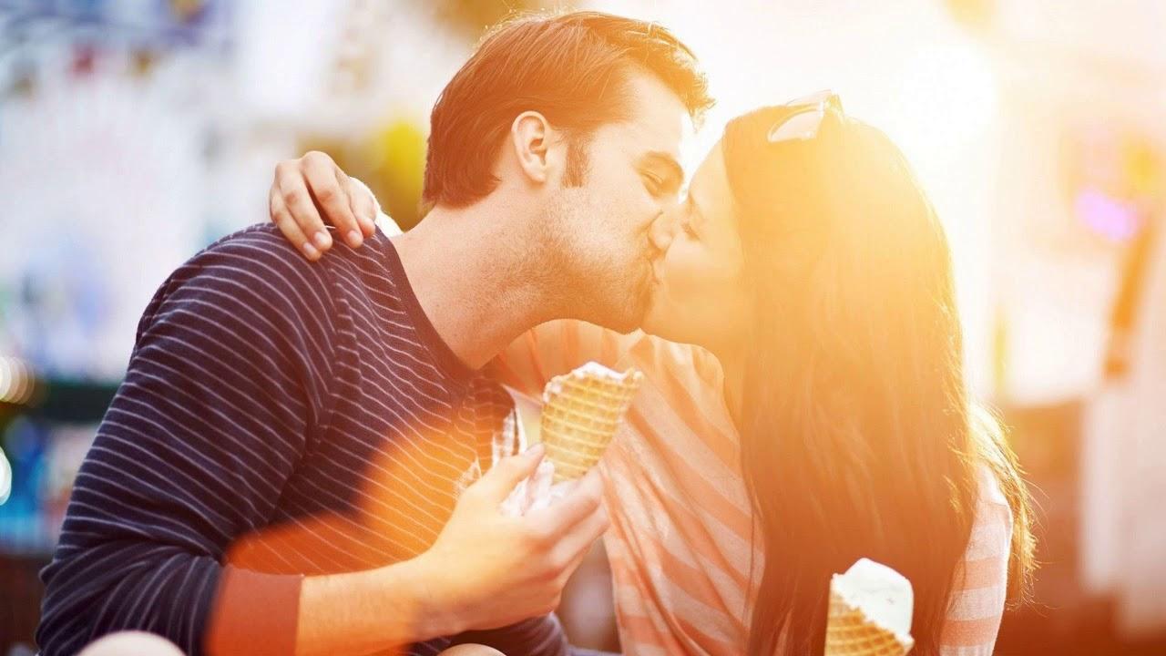 Отношениях между парнем и девушкой