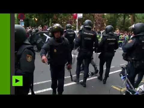 38 blessés lors d'affrontements avec la police en Catalogne