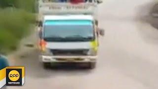 Decenas de buses varados por deslizamiento de piedras en Huancavelica│RPP
