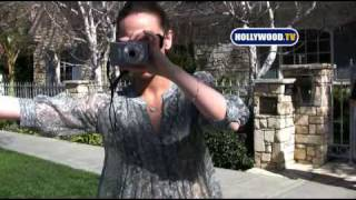 Video Jennifer Love Hewitt Becomes A Paparazzo download MP3, 3GP, MP4, WEBM, AVI, FLV Agustus 2018