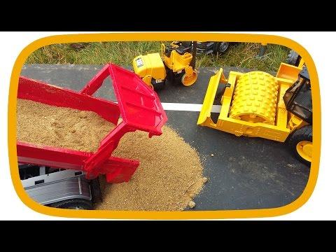 BRUDER Toys SAND action construction site