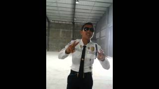 "Security guard from Davao sings Brian McKnight's ""Back at One"""