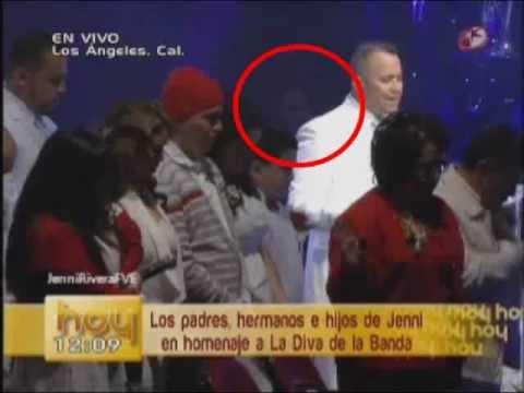 APARECE FANTASMA DE JENNI RIVERA EN SU FUNERAL - YouTubeJenni Rivera Funeral