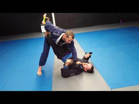 BJJ Fundamentals: Opening the closed guard (Lachlan Giles)