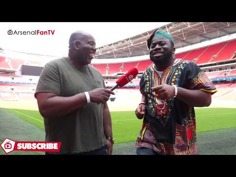 Arsenal v Chelsea | Kelechi Prays Over The Wembley Pitch!!