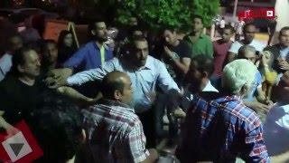 """عائلة وائل نور تضرب """"مصور الفنانين"""" بعد اقتحامه سرادق السيدات (اتفرج)"""