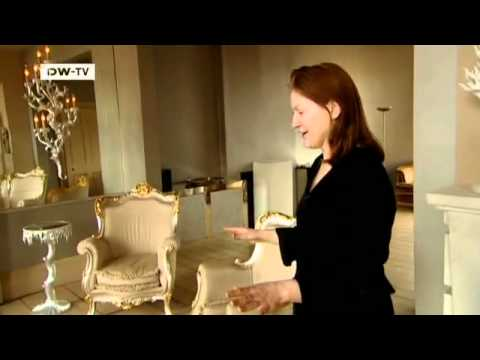 The Queen of Baroque - At Home with Oriel Harwood | euromaxx