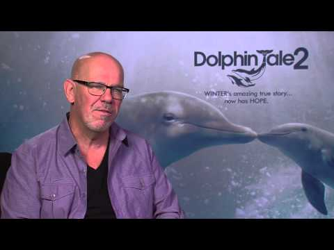 Dolphin Tale 2: Director Charles Martin Smith  Movie