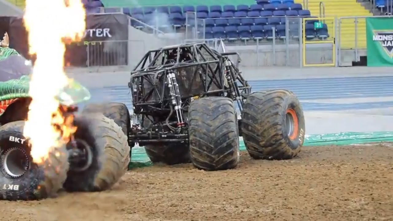 Max D Neil Elliott Full Freestyle Run Monster Jam Poland 2018 Youtube