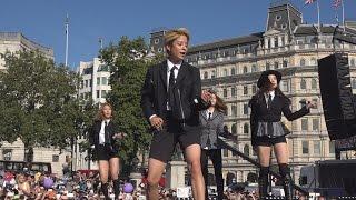 Video K-Pop band F(x) performing Rum Pum Pum Pum at the London Korean Festival 2015 런던 한인 축제 Part 7 download MP3, 3GP, MP4, WEBM, AVI, FLV Oktober 2017