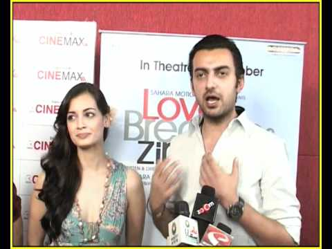 'Love Breakups Zindagi' Starcast Sell Tickets Of Their Film