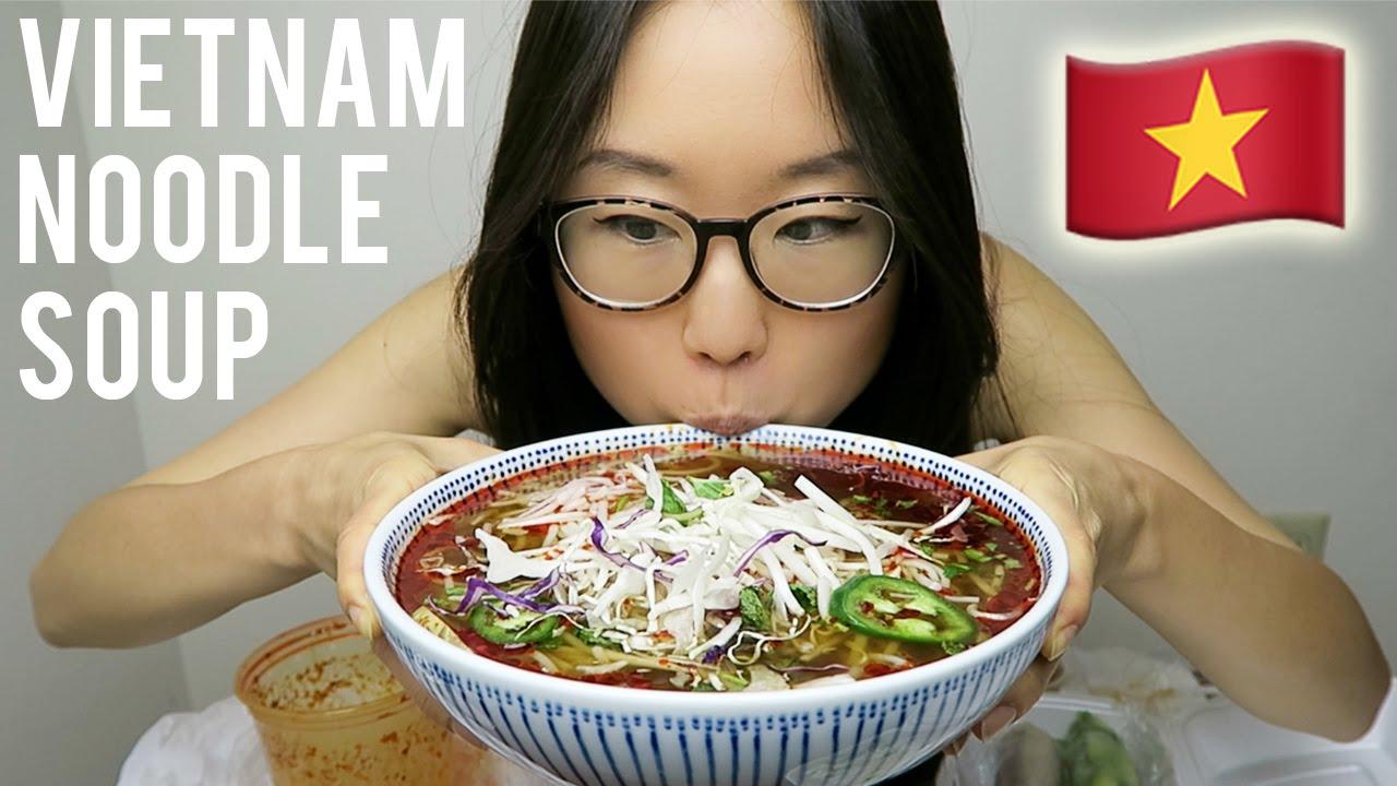 Vietnamese Food Mukbang With Bun Bo Hue Spring Rolls Ps I Talk