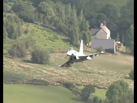 Fast Jets And More Low Flying In The Mountains Of Wales - Ai