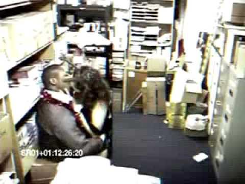 Запалили в офисе фото 18-407