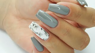 Grey flowers pattern / Stardoro