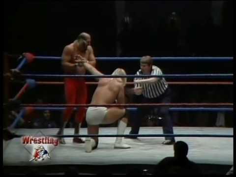 Hulk Hogan vs Jesse Ventura