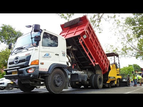 Road Construction Work Cold Milling Aphalt Paving By Sakai ER501F Sumitomo HA60C Hino 500 Dump Truck