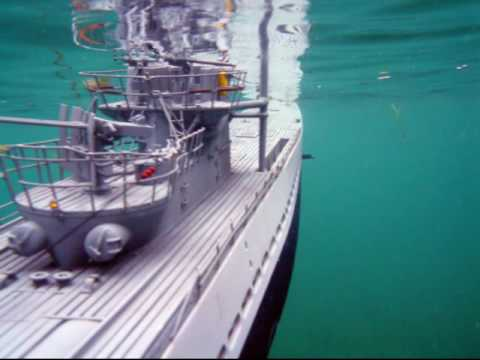 Underwater Video RC Submarine - U-Boat Hunts Aircraft Carrier