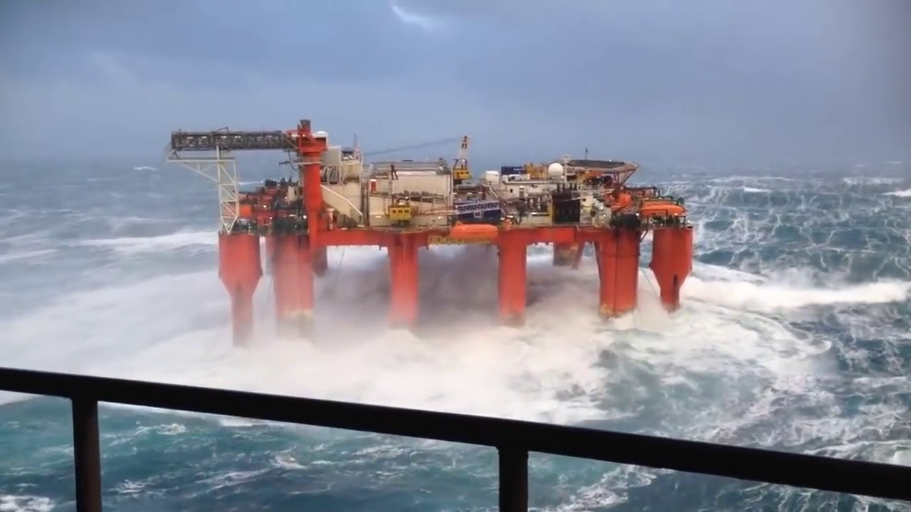 Watch as 50ft waves hit North Sea oil platform - YouTube