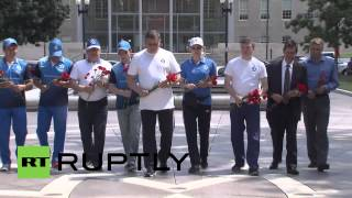 USA: Russian delegates lay flowers at U.S. Law Enforcement Officers Memorial