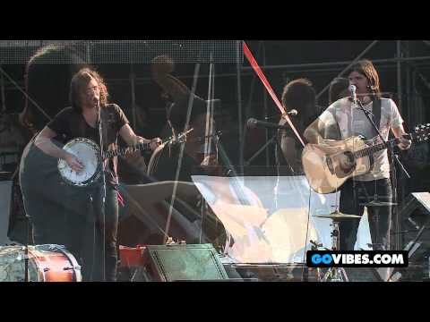 The Avett Brothers Perform