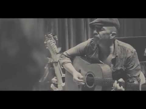 """Foy Vance - """"She Burns"""" (Acoustic From Blackbird Studios)"""