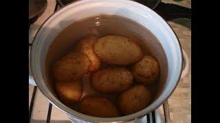 видео Как правильно дышать над картошкой при насморке