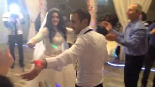 Армянский танец на свадьбе