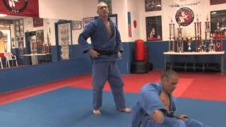 Two Handed Grip Shoulder Throw - how to do it - Judo Lessons