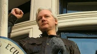 Watch Vigil for Julian Assange