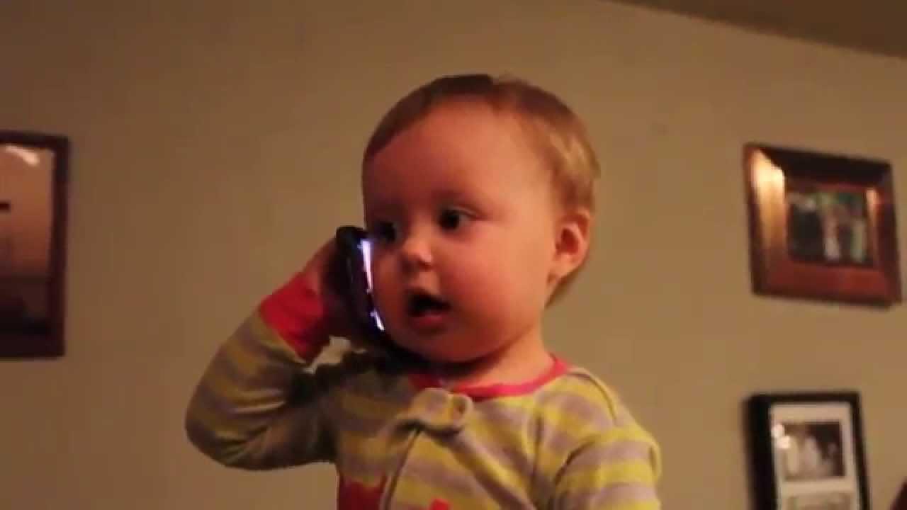 Bebe Hablando Por Telefono: Bebe Hablando Por Telefono Gracioso :D