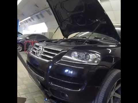 Разбираем Volkswagen Touareg,снимаем передние фары бампер