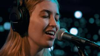 Hatchie - Kiss The Stars (Live on KEXP)