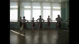 Открытый урок по народному танцу. 1 год обучения. Середина зала .