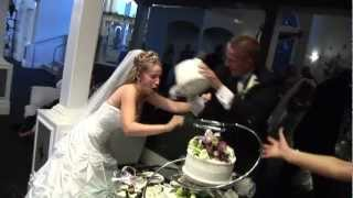 Video Bloody Cake Smash // Brawl between bride and groom download MP3, 3GP, MP4, WEBM, AVI, FLV November 2017