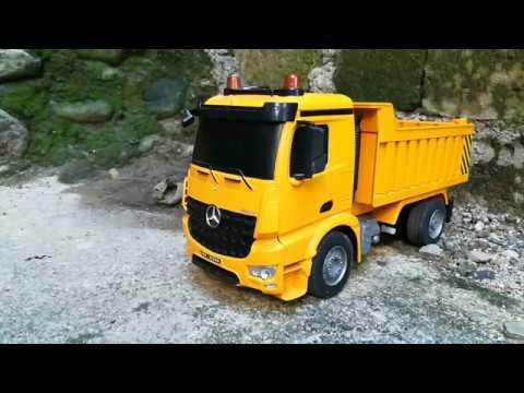 Amazing RC Mercedes-Benz Arocs Dump Truck At Work!!
