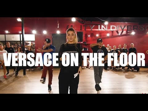 """Versace on the Floor"" Bruno Mars Alexander Chung Dance"