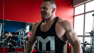 Marc Lobliner Trains Chest and Triceps 4-28-19 | Tiger Fitness