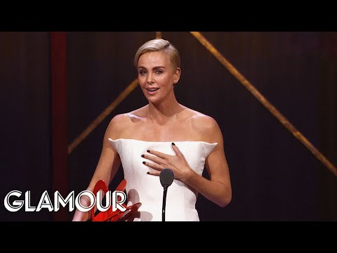 Kate McKinnon Presents Charlize Theron with Her Women of the Year Award | Glamour