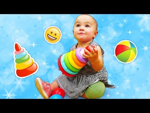 die-spielzeugkiste.-leo-der-lastwagen-baut-eine-pyramide.-video-für-kleinkinder.
