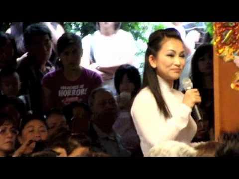 Hương Thuỷ : hò, ca vọng cổ, múa 1 tay, gây quỹ. Phần 1, 2012