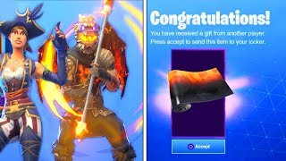 FREE GIFT AND SKINS FILTERED IN FORTNITE!