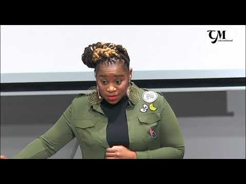 Charisa Munroe speaks at the 2017 Carving Leadership Conference