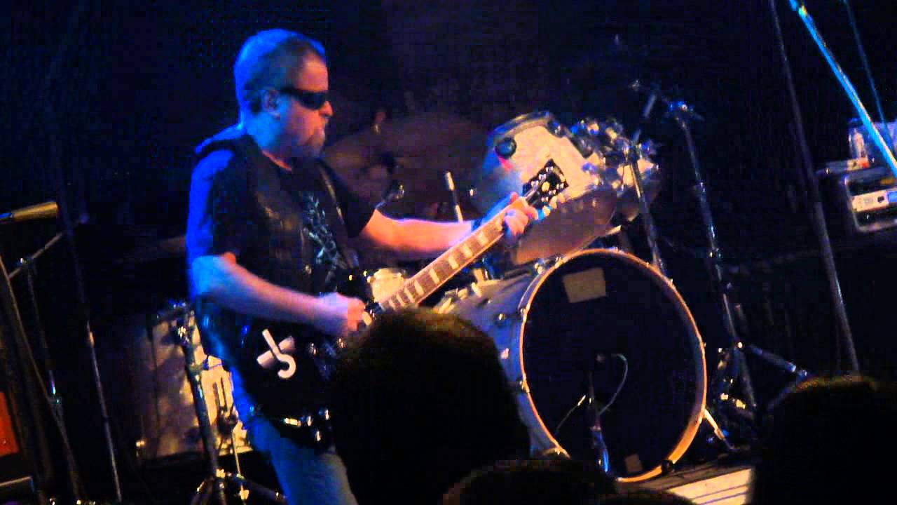 BLUE OYSTER CULT Cities on Flame With Rock and Roll - YouTube